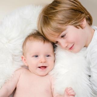 Babyfotograf wuppertal-202-mit Bruder