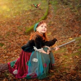 Kleine-Hexe zaubert Tiere herbei
